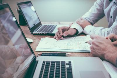 営業職の面接でのベストな目標の答え方【3つの事をおさえればOK】